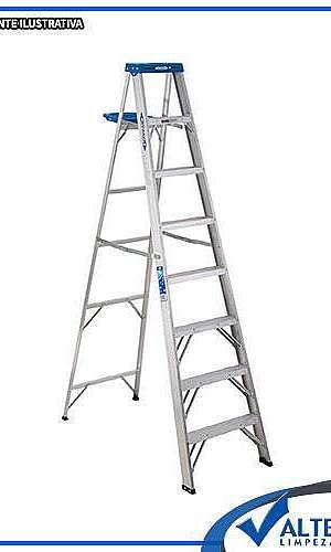 escada de alumínio para limpeza