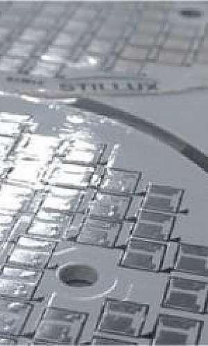 Placa de circuito impresso em aluminio